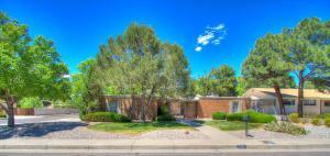 7401 Arroyo Del Oso Ave, Albuquerque NM 87109