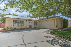 6825 Glendora, Albuquerque NM 87109