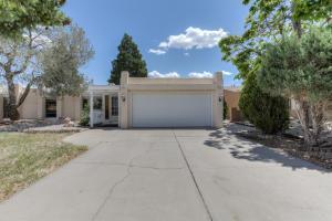 6420 Harper Ct, Albuquerque NM 87109