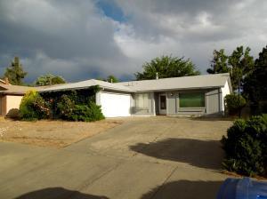 6704 Avenida La Costa, Albuquerque NM 87109
