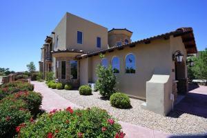 8619 Vintner Ct Albuquerque, NM 87122