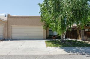 7216 Canary Ln Albuquerque, NM 87109