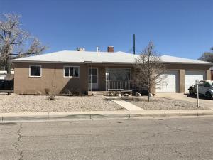 2006 Erbbe St NE, Albuquerque, NM 87112