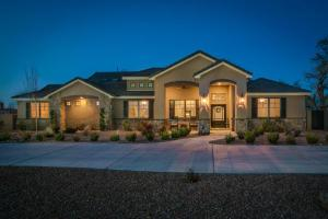 1801 Irving Rd NW, Albuquerque, NM 87114