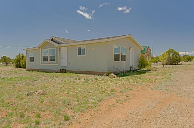 752 Barton Rd, Edgewood, NM 87015