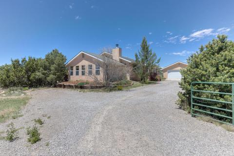 2 Rama Ct, Tijeras, NM 87059