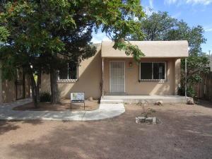 328 Charleston St NE, Albuquerque, NM 87108